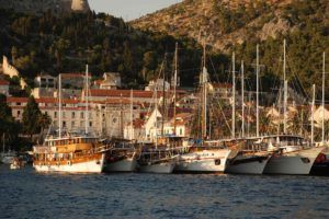 HVAR-panorama-port