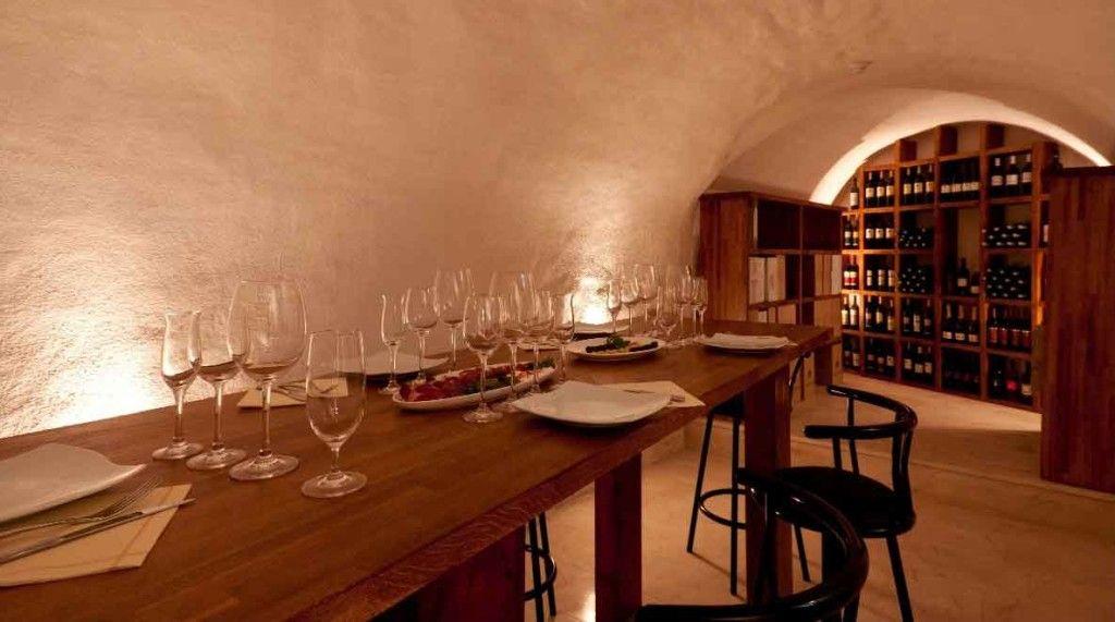 La Cave  Ef Bf Bd Vin Restaurant Tours