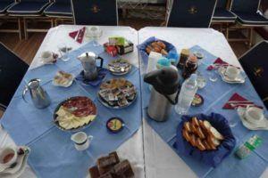 croisiere en Croatie en goelette Gideon - déjeuner servi à bord
