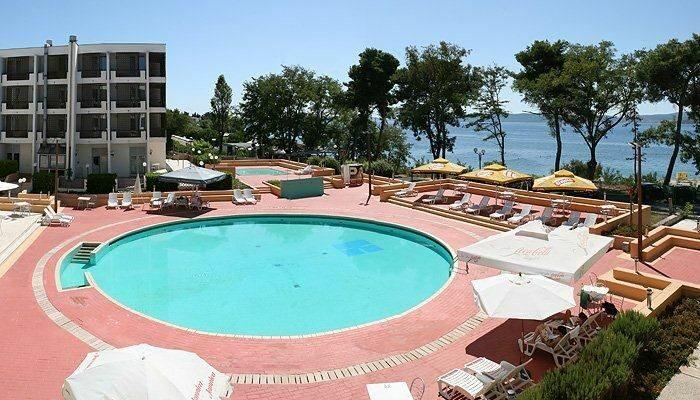 Hôtel Kolovare 4* à Zadar - piscine