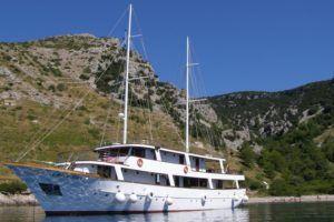 Caïque premium Afrodita naviguant en Croatie