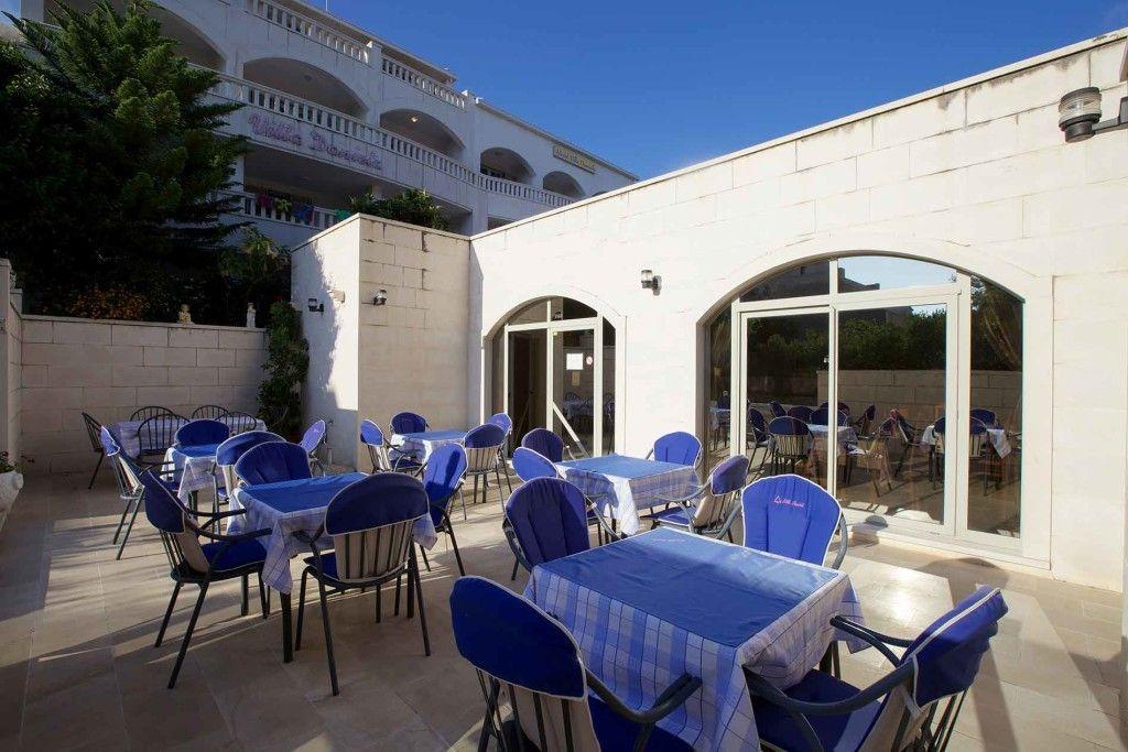 Restaurant extérieur-villa daniela-Bol