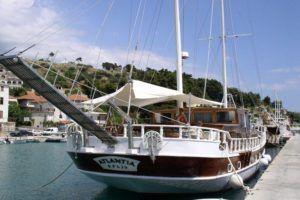 Croisière en Croatie à bord d'un petit bateau